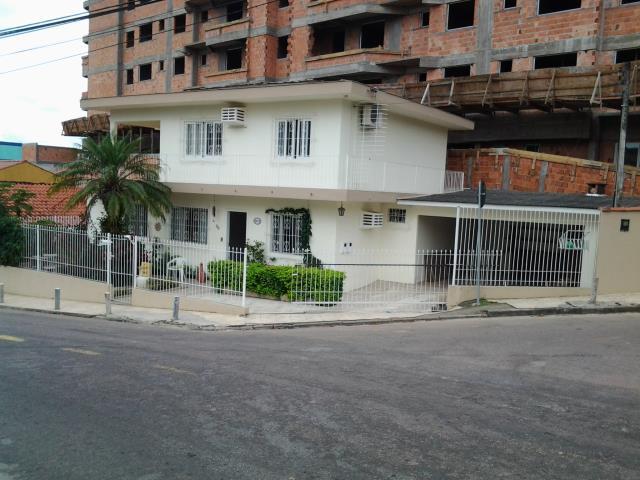 Casa - Código 281 a Venda no bairro Barreiros na cidade de São José - Condomínio CASA JOSE VICTOR DA ROSA -