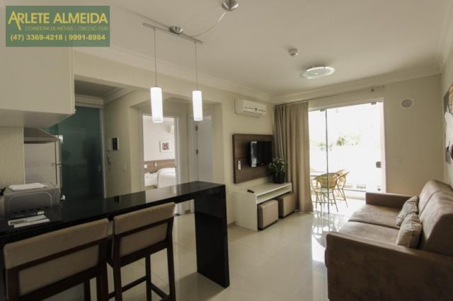 Código 954 - Apartamento