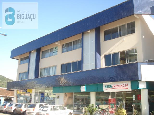 Sala-Código-476-para-Alugar-Ação Social-no-bairro-Centro-na-cidade-de-Biguaçu