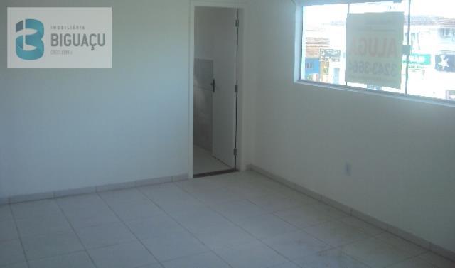 Sala-Código-481-para-Alugar-CENTRO COMERCIAL MARIZA EUGENIA TRAEBERT-no-bairro-Centro-na-cidade-de-Biguaçu