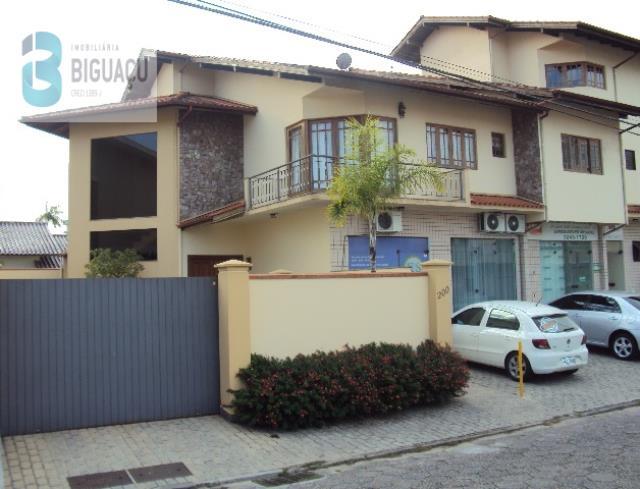 Casa-Código-485-a-Venda--no-bairro-Centro-na-cidade-de-Biguaçu