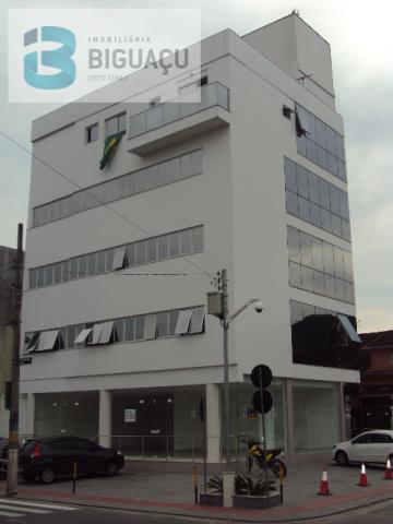 Sala-Código-489-a-Venda-CENTRO COMERCIAL LAILA SALOMÃO-no-bairro-Centro-na-cidade-de-Biguaçu