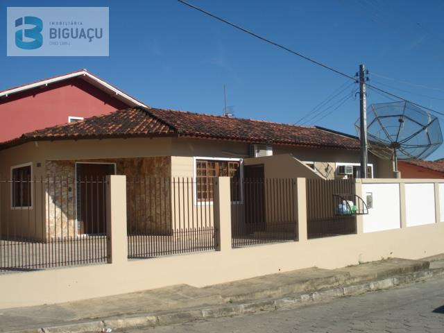 Casa-Código-573-a-Venda--no-bairro-Fundos-na-cidade-de-Biguaçu