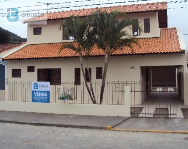 Casa-Código-574-a-Venda--no-bairro-Universitário-na-cidade-de-Biguaçu