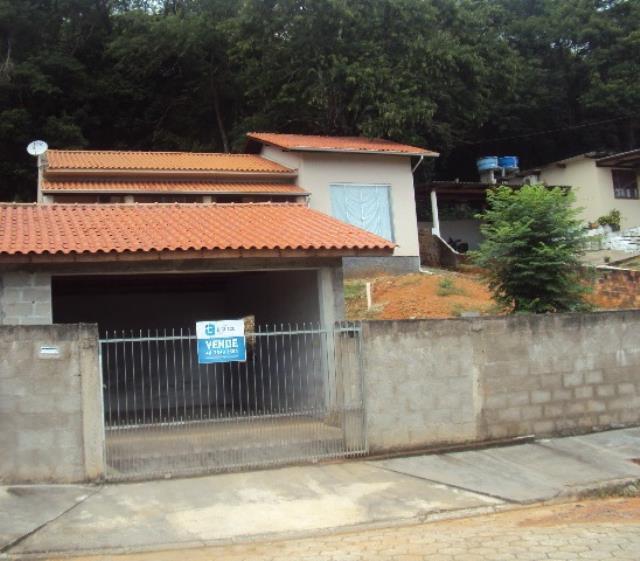Casa-Código-812-a-Venda--no-bairro-Fundos-na-cidade-de-Biguaçu