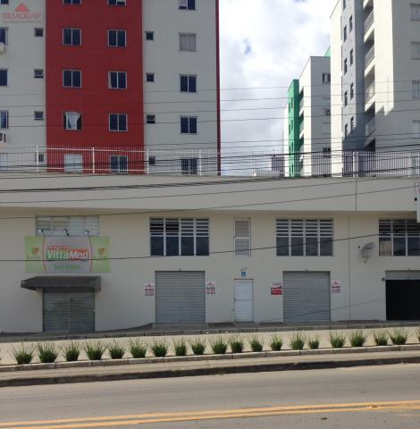Sala-Codigo 3341-a-Venda-Ed. Res. e Cml. Portal das Flores-no-bairro-São Luiz-na-cidade-de-Criciúma