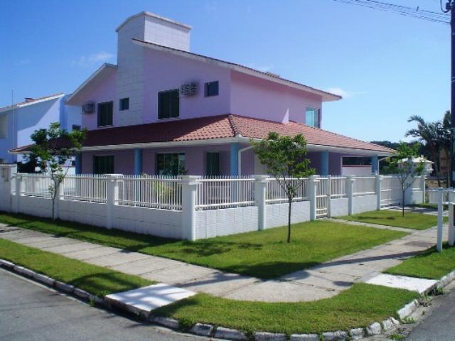 Casa-Código-93-para-Aluguel-Temporada--no-bairro-Palmas-na-cidade-de-Governador Celso Ramos