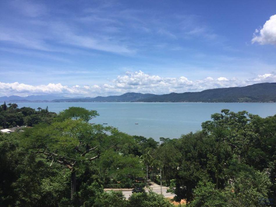 Casa - Código 44 para Temporada  no bairro Caeira na cidade de Governador Celso Ramos